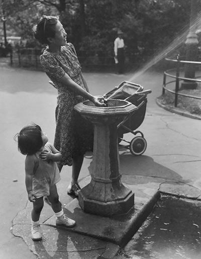 Mother and Daughter, Chinatown, NY, 1944<br/>