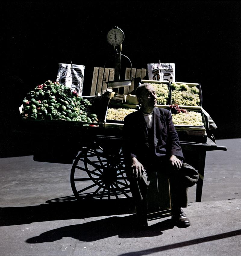 Grapes, 2 pounds 25 cents, East Harlem, New York, 1947 Archival Pigment Print